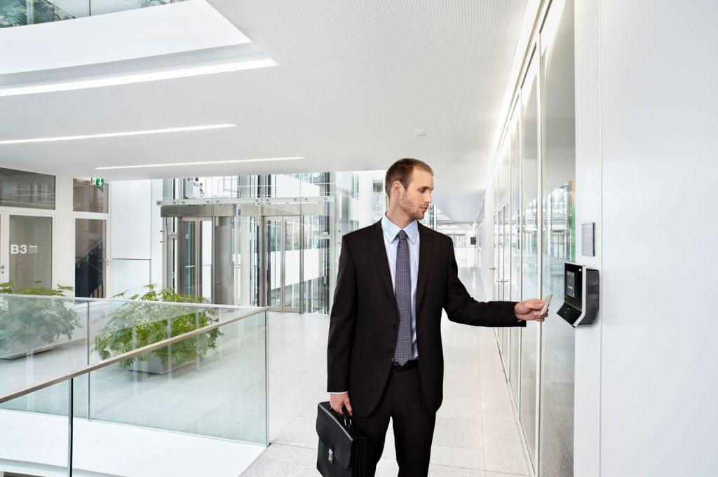 Evidencija radnog vremena i kontrola pristupa - registracija